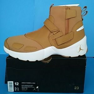 BRAND NEW AIR JORDAN TRUNNER LX HI